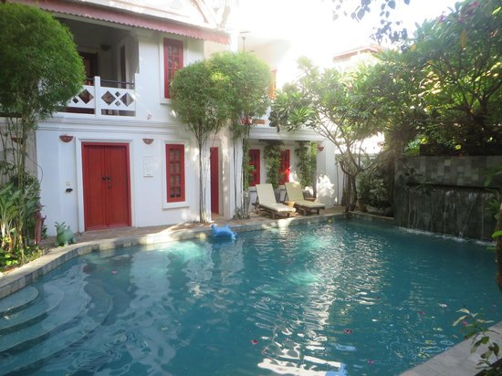 Rambutan Resort - Siem Reap: The Banana pool & rooms
