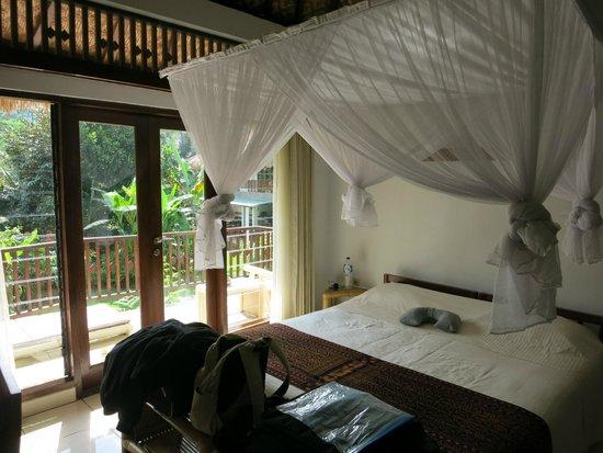 Kelimutu Crater Lakes Eco Lodge, Moni, Flores: Room