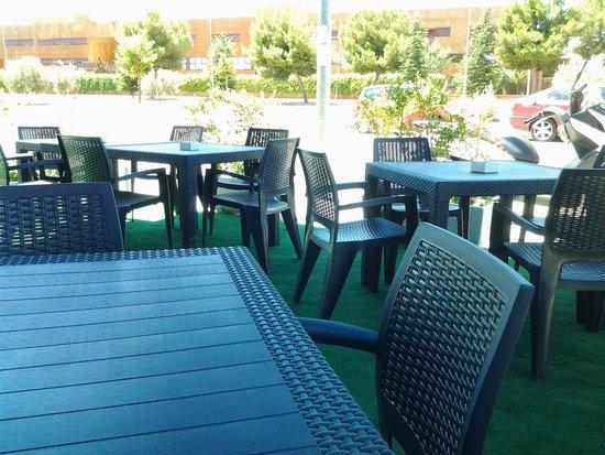 Restaurante El Navazal: Terraza.
