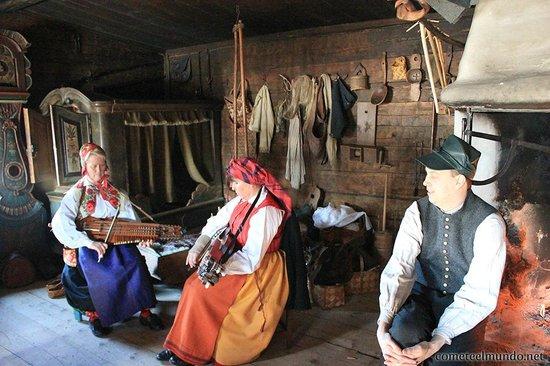 Museo al aire libre Skansen: Música tradicional sueca en Skansen - cometeelmundo.net