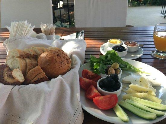 Villa Verde Pension: breakfast
