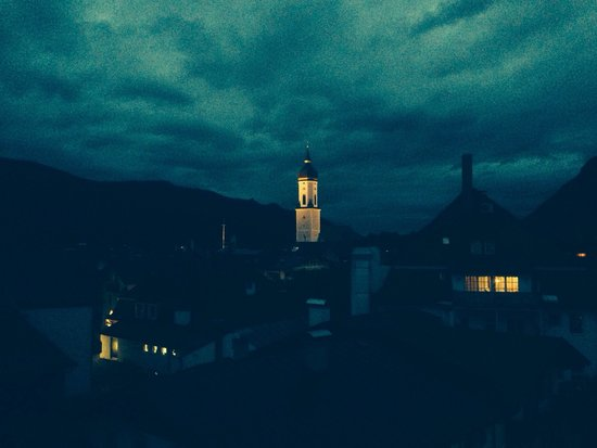 Hotel Almenrausch und Edelweiss: View at night from our balcony