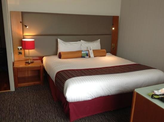 Park Inn by Radisson Hotel & Conference Centre London Heathrow: upgraded room
