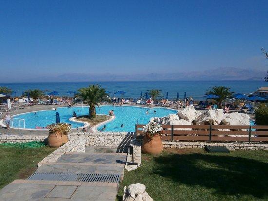 Mareblue Beach Resort: Główny basen