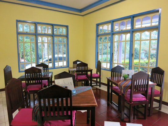 Hotel Happy Happy: Cheery colours of the dining area