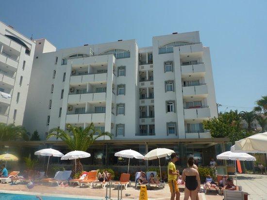 The Panorama Hill: Hotel vu de la piscine