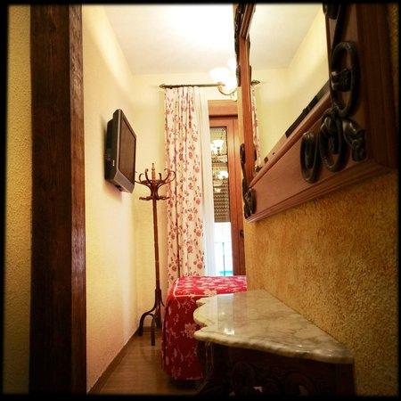 Hostal Lima: Zimmer