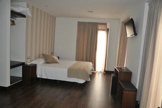 Hotel Cordoba Carpe Diem: habitacion dui