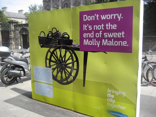 Molly Malone Statue: LUAS works!