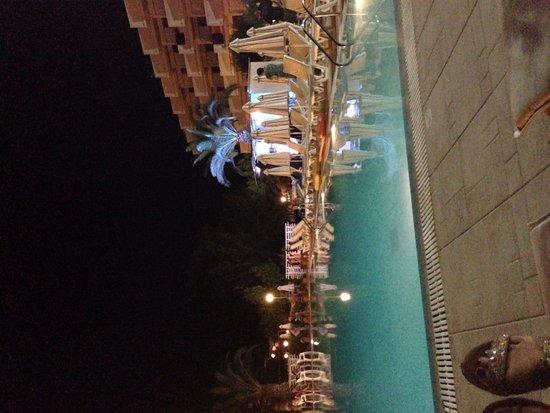 Ialyssos Bay : Pool at night
