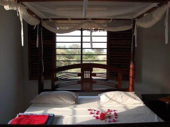 Mkoko House: bedroom upstairs