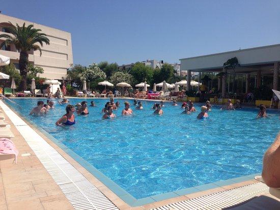 Ialyssos Bay Hotel Suneo Club: Aqua Aerobics