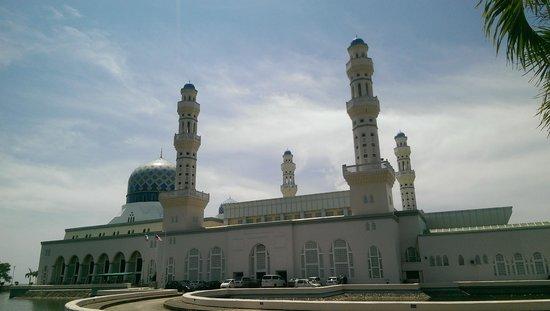 Kota Kinabalu City Mosque: .