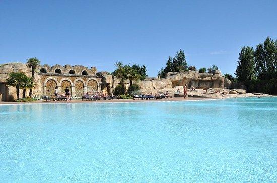 Tahiti Camping & Thermae Bungalow Park: Una delle meravigliose piscine del Tahiti Park