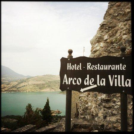 Hotel Arco de la Villa: Eingang