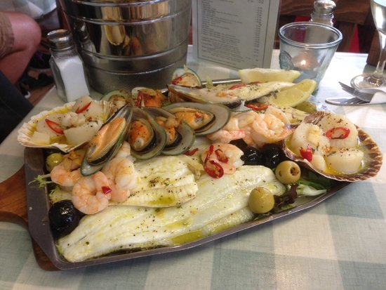 The Gossips Cafe: The wonderful seafood platter.
