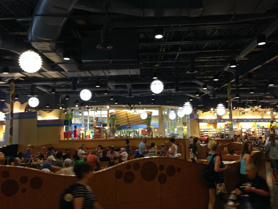 Disney's Pop Century Resort: Dinning Area
