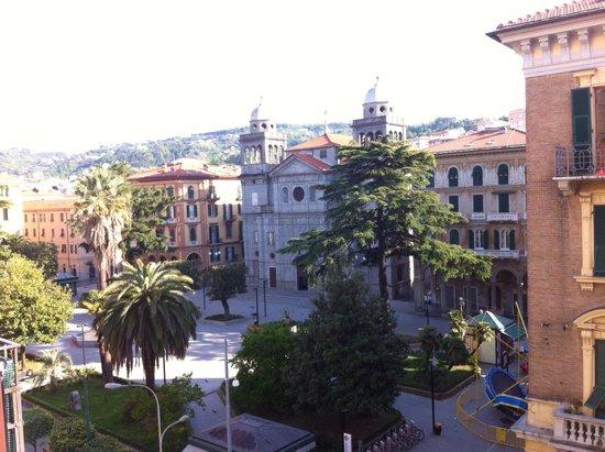 Bella Napoli: Η πλατεία