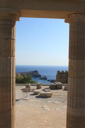 Lindos: Вид с акропольской лестницы