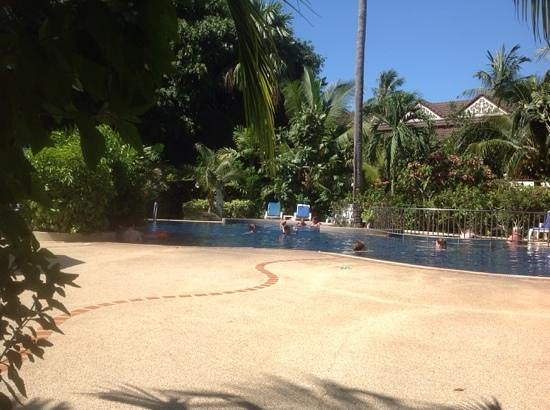 Paradise Beach Resort: fun in the pool