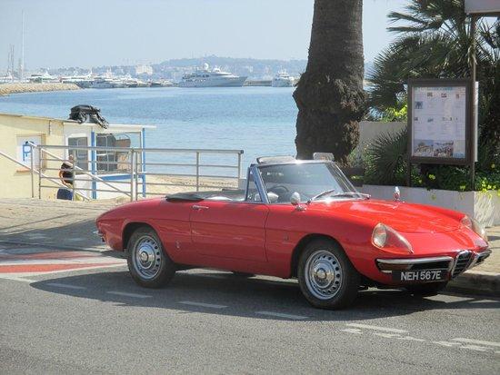 Riviera Classic Car Hire: Alfa Romeo Duetto