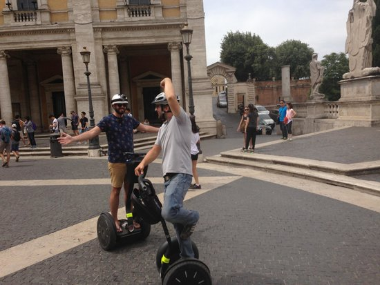 Rex-Tours The Rome Experience: Max showing us how it's done!