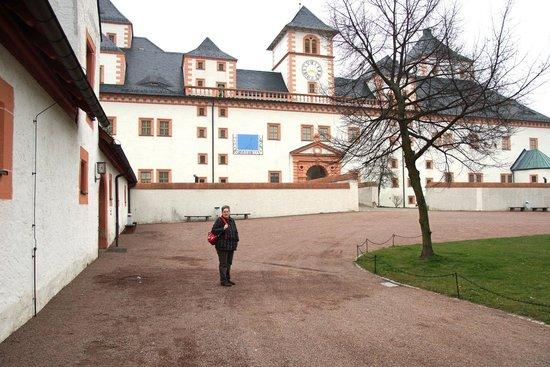 Schloss Augustusburg: Außenansicht