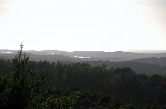 Bohuslän, Suecia: Uitzicht tijdens wandeling terrein BB
