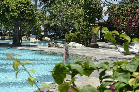 Inna Grand Bali Beach Hotel : бассейн
