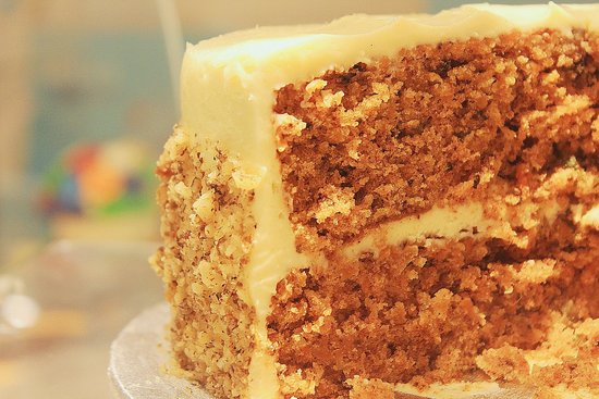 carrot cake at lola's cupcakes!!