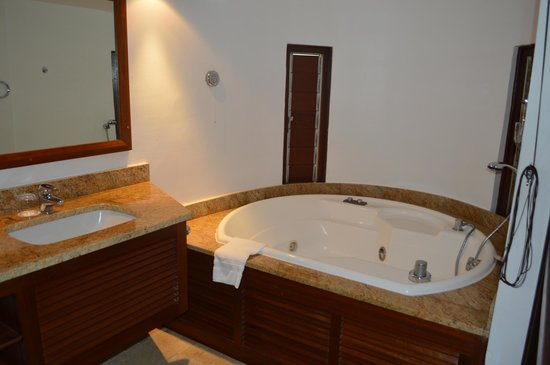 Le Saint Alexis Hotel & Spa : Salle de bain