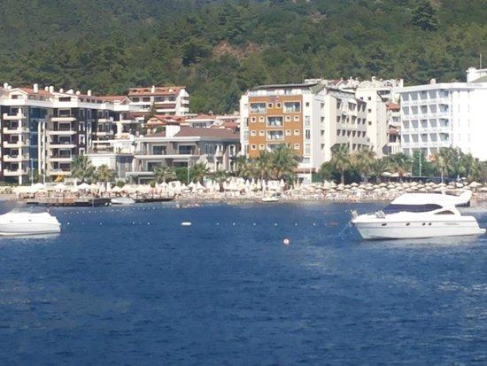 Hotel Cettia Beach Resort: Vista del Hotel