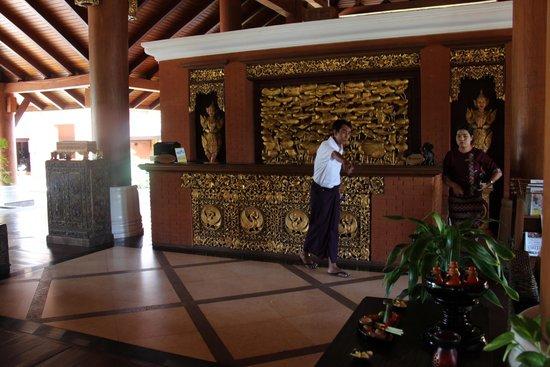 Aureum Palace Hotel & Resort Bagan: Geschmackvolle Einrichtung und freundlicher Service