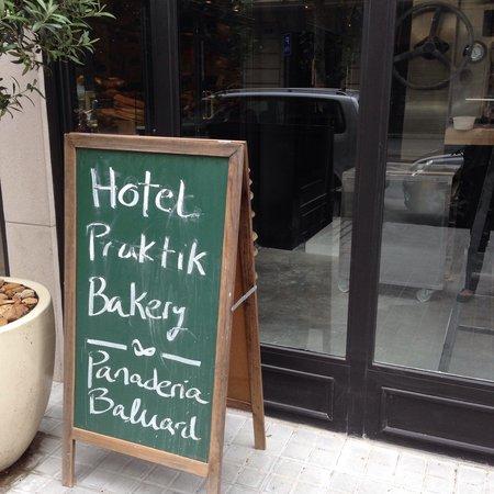 Hotel Praktik Bakery : Entrada