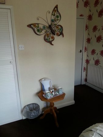The Sunningdale: Room Decor