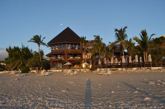 Le Saint Alexis Hotel & Spa : hotel vue plage