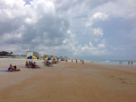Holiday Inn Resort Daytona Beach Oceanfront: Beach View