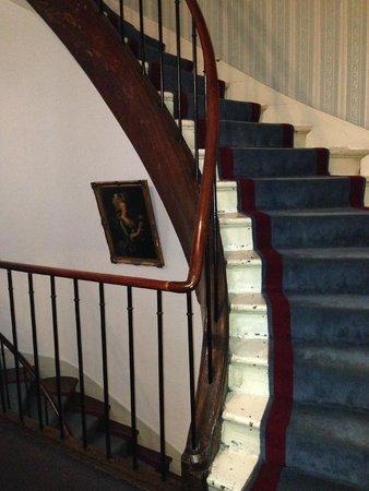 Hotel Opera Maintenon: Le scale a chiocciola