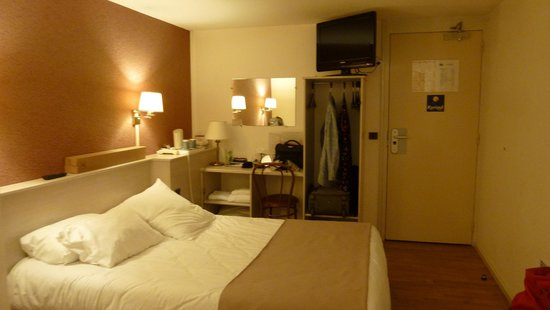 Kyriad La Ferte Bernard: bedroom a