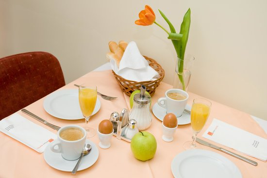 City Apart Hotel Brno: Breakfast