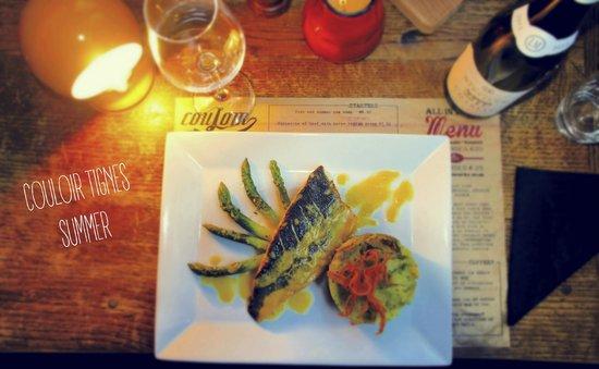 Couloir Bar & Restaurant : Pan-fried seabass