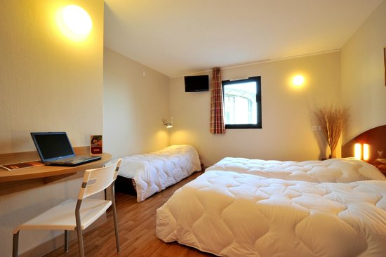 Hôtel balladins Poitiers/Jaunay-Clan : Chambre 3 lits simples