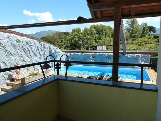 Albergo Pompei Valley: Pool, sun terrace to the left of this.