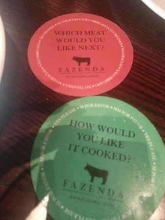 Fazenda Rodizio Bar and Grill: Traffic light system for stop and go meat servings.