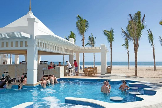 Hotel Riu Emerald Bay: Pool Bar