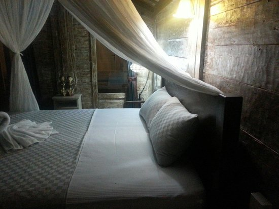 Puri Rama Homestay: Fresh sheets everyday - bliss to come home to.