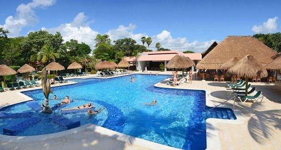 Hotel Riu Lupita: Pool