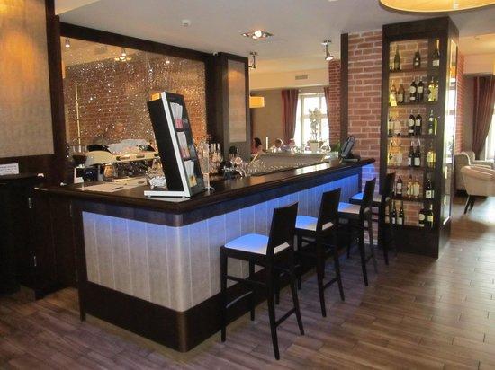 FAB Fusion: Bar area