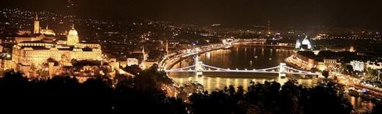 Connection Guesthouse : Budapest by Night