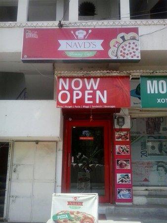 NAVD'S Yummy Cafe